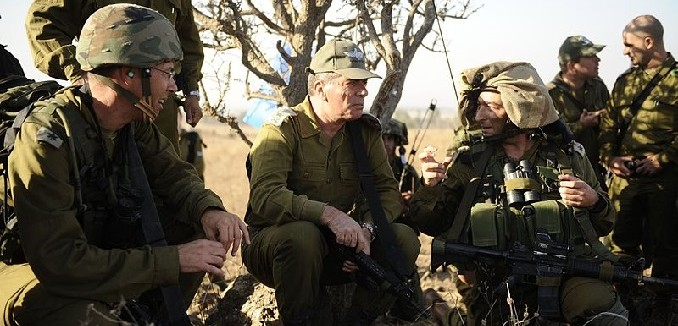 800px-Flickr_-_Israel_Defense_Forces_-_Chief_of_Staff_Lt._Gen_Gabi_Ashkenazi_Visits_Nachal_Brigade_Exercise,_Nov_2010