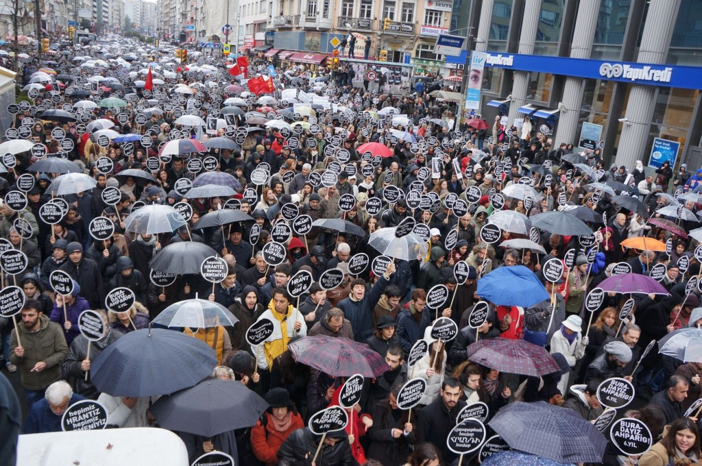 "Thousands march in Istanbul to protest the murder of journalist Hrant Dink. Placards read, ""We are all Armenians,"" ""We are all Hrant."" Photo: homeros/123RF"