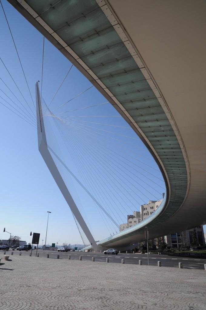 The Bridge of Strings, Jerusalem's new gateway. Photo: Simply Boaz/Flickr