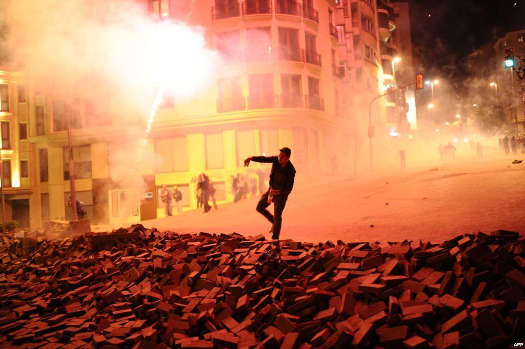 taksim violence 1