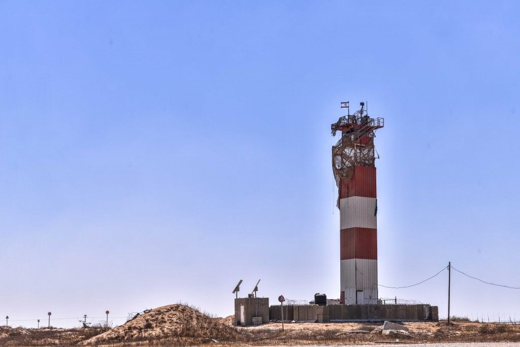 Military tower overlooking the Gaza Strip. Photo: Aviram Valdman / The Tower