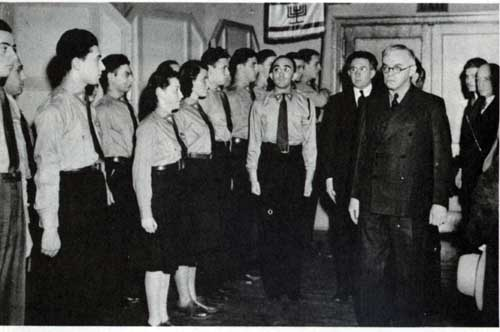 Jabotinsky reviewing Betar campers at Hunter, New York, August 3, 1940. Photo courtesy of the Jabotinsky Institute.