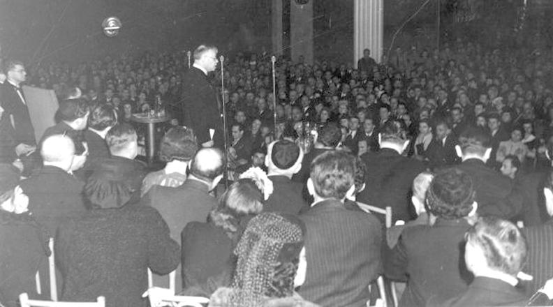 Vladimir Jabotinsky at the Manhattan Center, June 19, 1940. Photo courtesy of the Jabotinsky Institute.