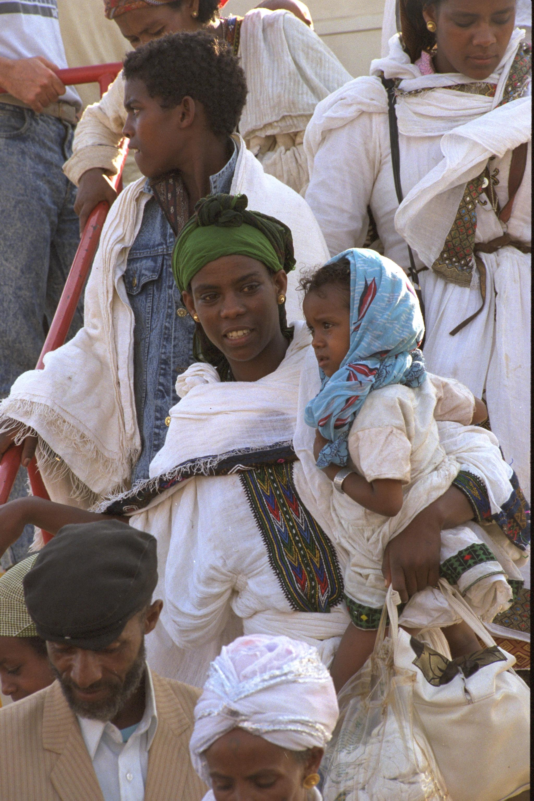 ethiopian immigrants in the united states The united states experienced major waves of immigration during the colonial era, the first part of the 19th century and from the 1880s to 1920 many immigrants came to america seeking greater economic opportunity, while some, such as the pilgrims in the early 1600s, arrived in search of religious.