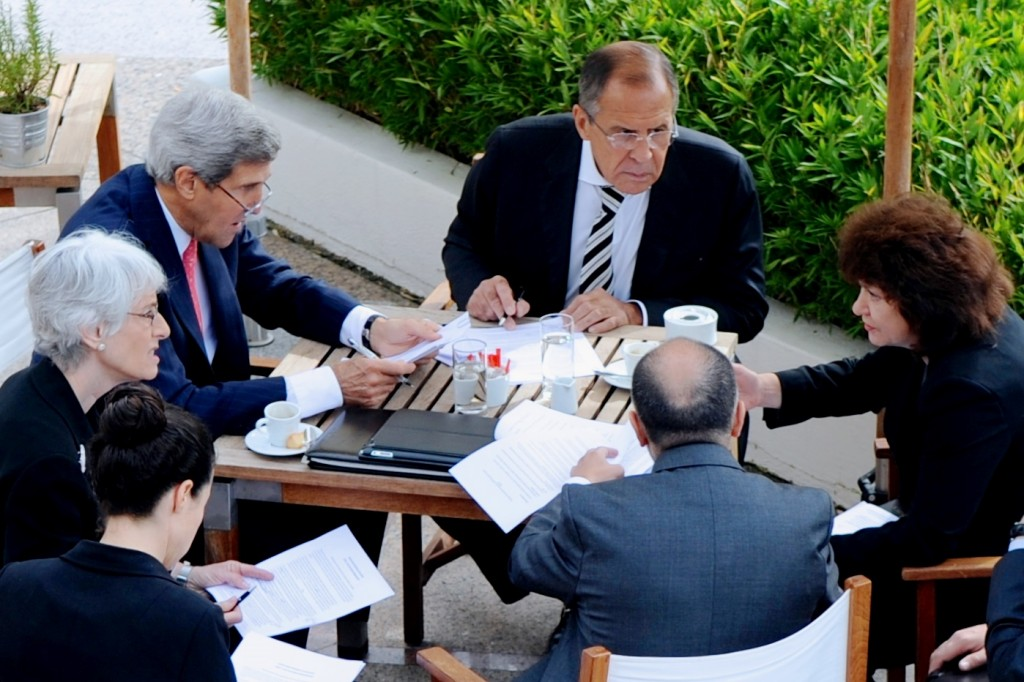 U.S. Secretary of State John Kerry and Russian Foreign Minister Sergey Lavrov, during final negotiating session over agreement to eliminate Syria's chemical weapons. Geneva, Switzerland, September 14, 2013. Photo: U.S. Department of State / Wikimedia