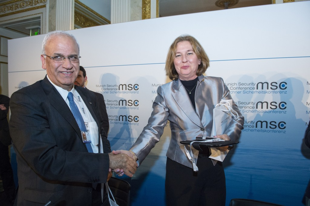 Saeb Erekat and Tzipi Livni at the 50th Munich Security Conference, January 31, 2014. Photo: Munich Security Conference / Wikimedia