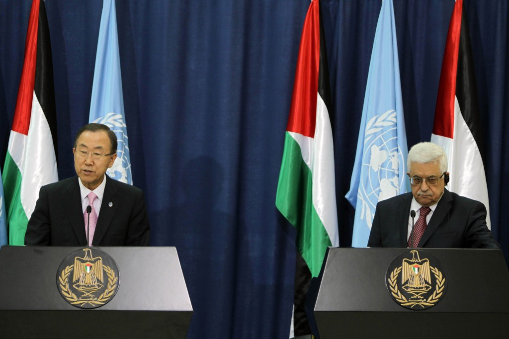 UN Secretary-General Ban Ki-moon and Palestinian Authority President Mahmoud Abbas during a joint press conference at Abbas' headquarters in Ramallah, August 15, 2013. Photo: Issam Rimawi / Flash90