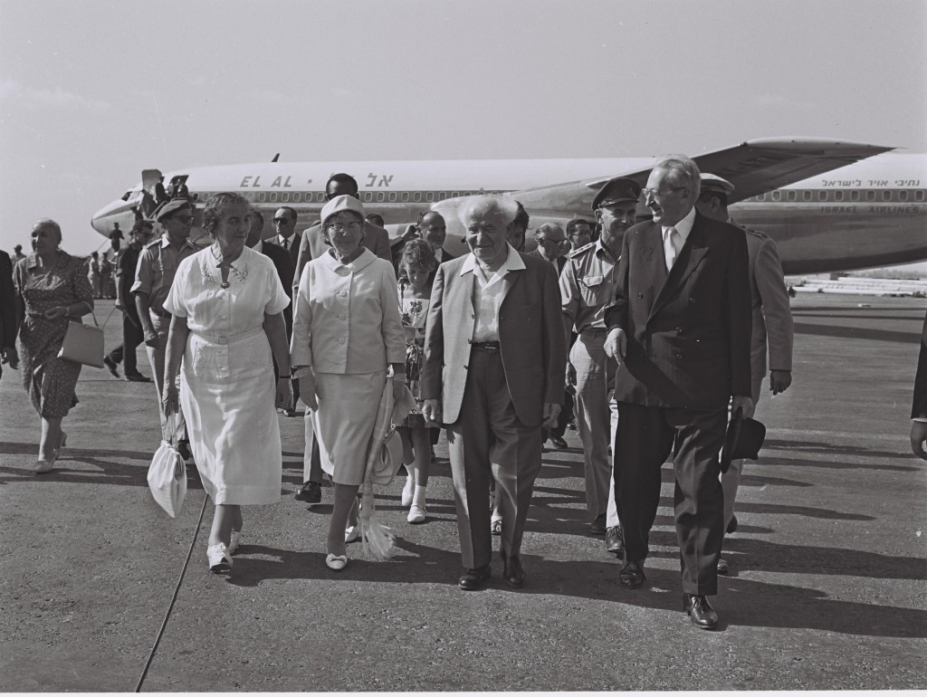 Israeli President Yitzhak Ben-Zvi and his wife are welcomed by Prime Minister David Ben-Gurion and Golda Meir at Lydda Airport on their return from their West African tour, August 17, 1962. Photo: Israel Government Press Office / flickr