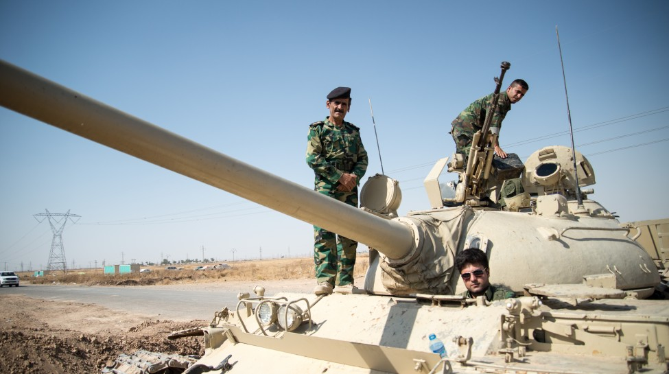 Peshmerga_on_a_T-55-Tank_outside_Kirkuk_in_Iraq. dh
