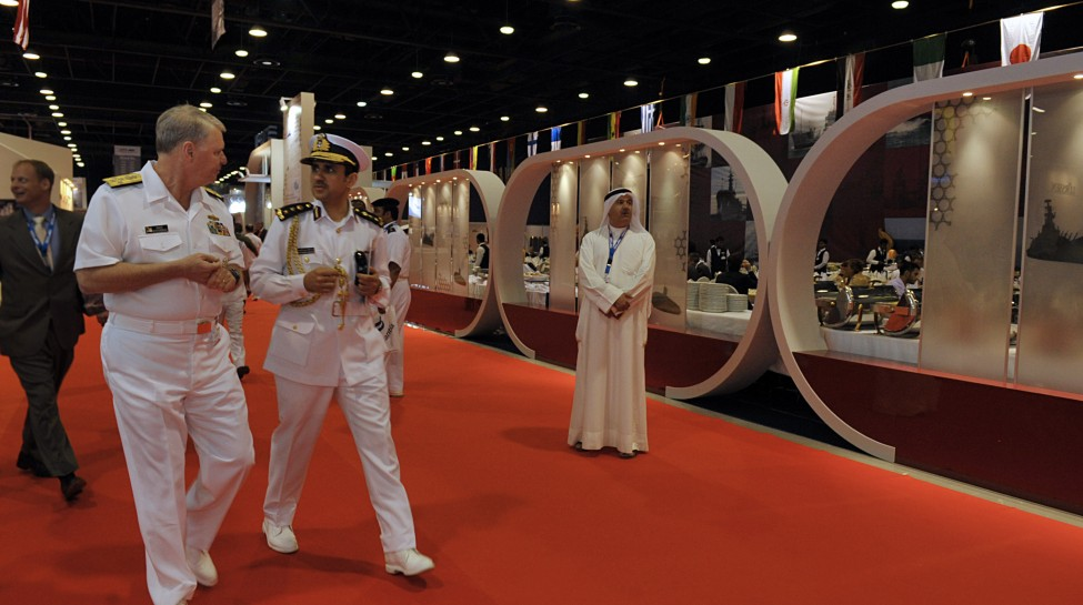 Chief of Naval Operations (CNO) Adm. Gary Roughead, left, speaks with Qatari Col. Abdullah Eid Al-Bourdainiby at the Doha International Maritime Defense Exhibition Mid East Naval Commander's Conference in Doha, Qatar. Photo: Tiffini Jones Vanderwyst / U.S. Navy / Wikimedia