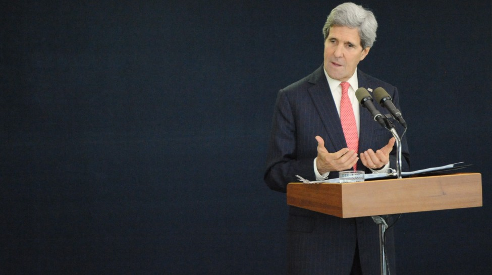 Secretary_Kerry_Addresses_Reporters_During_Tel_Aviv_News_Conference_(11235816416) (1)