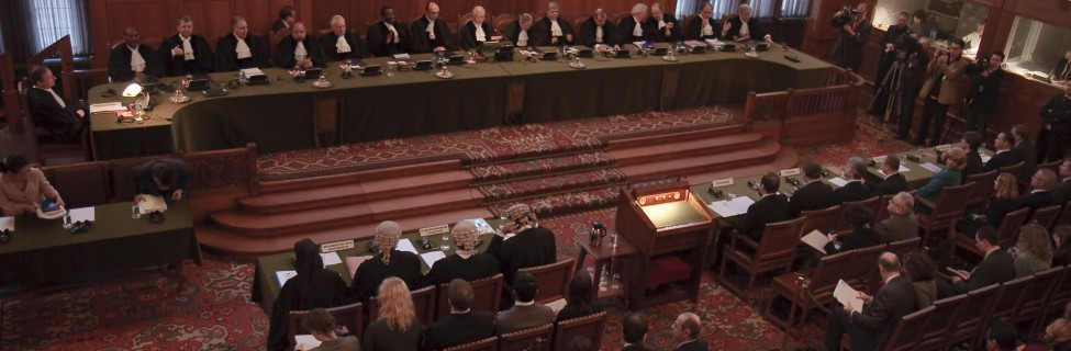 """A hearing of the case """"Accordance with International Law of the Unilateral Declaration of Independence by the Provisional Institutions of Self-Government of Kosovo"""" at the International Court of Justice. Photo: Lybil / Wikimedia"""