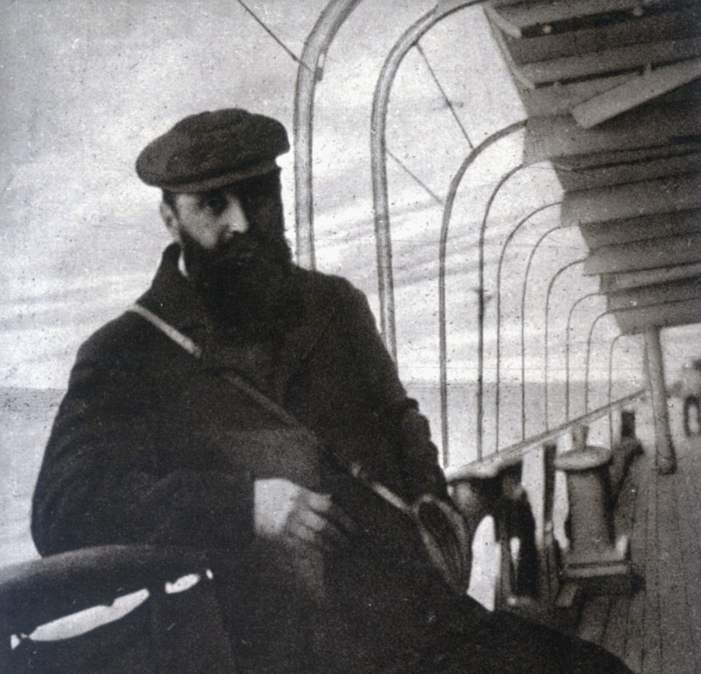 Theodor Herzl on a voyage to Egypt, 1903. Photo: Walter Anton / Wikimedia