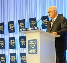 FeaturedImage_2014--09-30-WikiCommons_1200px-President_Abbas_Addresses_the_World_Economic_Forum