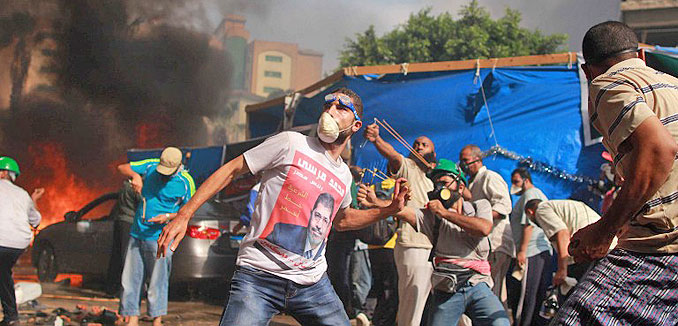 20141023_Muslim_Brotherhood_Egypt_rioters_(Diariocritico-de-Venezuela_flickr)