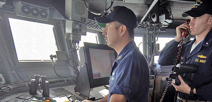 20141110_US_navy_in_Gulf_(Aaron_Ansarov_US_Navy_wiki_commons