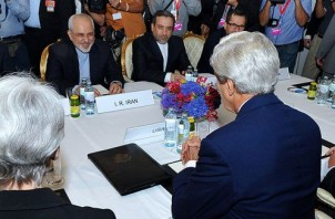 FeaturedImage_2014-11-21_WikiCommons_Secretary_Kerry_Meets_with_Iranian_Foreign_Minister_Zarif,_July_2014
