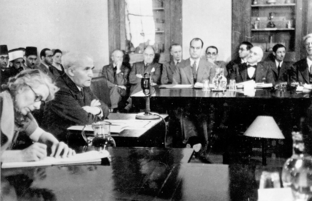 David Ben-Gurion testifies at the Anglo-American Committee of Inquiry, 1946. Photo: Harvard University Library / Wikimedia