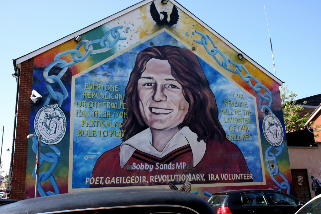 A mural commemorates Bobby Sands, a Provisional IRA member who died in prison while on hunger strike. Photo: Carrie Sands / Wikimedia