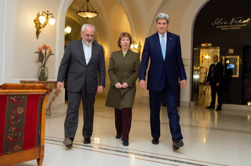U.S. Secretary of State John Kerry, Baroness Catherine Ashton of the European Union, and Foreign Minister Mohammad Javad Zarif of Iran approach awaiting photographers in Vienna, Austria, on November 20, 2014, before sitting down for a three-way discussion about the future of Iran's nuclear program. Photo: U.S. Department of State / flickr