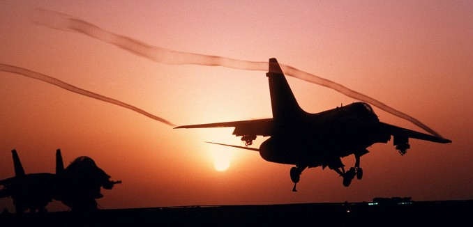 aircraft-79489_1280