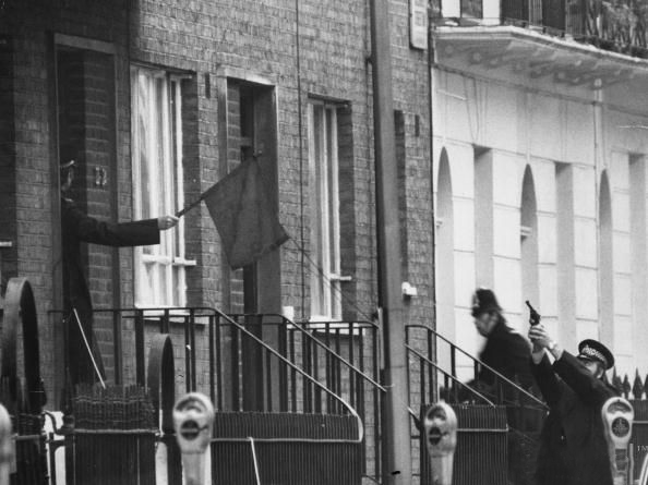 London police react to the Balcombe Street Siege, when IRA members took a couple hostage in their apartment. Photo: Rob Baker