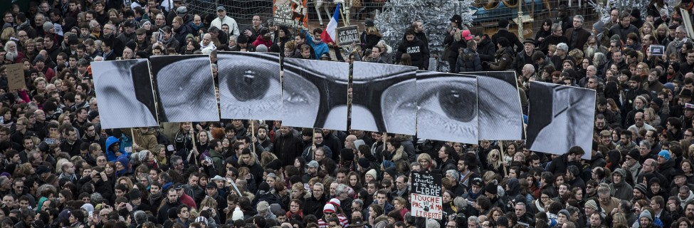 Over one million people, including world leaders, gathered in Paris on January 11, 2015, in tribute of the 17 victims following the shootings by Islamist gunmen at the offices of the satirical weekly newspaper Charlie Hebdo, the killing of a police woman in Montrouge, and the Jewish hostages killed at a kosher supermarket at the Porte de Vincennes. Photo: Laurence Geai / Flash90
