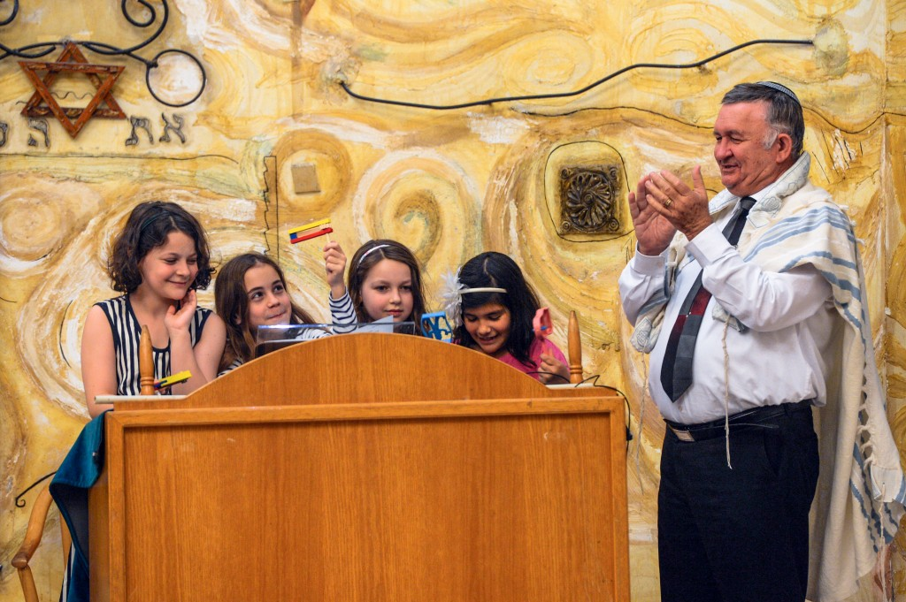 Children participate in Friday night services at Beit Daniel, a Reform synagogue in Tel Aviv. Photo: Aviram Valdman / The Tower