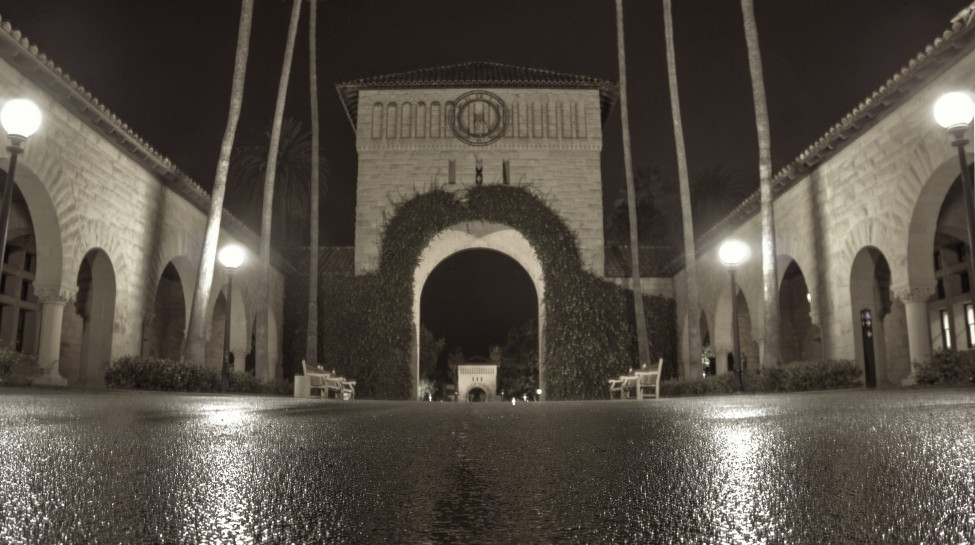 Stanford University on a rainy night. Photo: Peter Thoeny / flickr