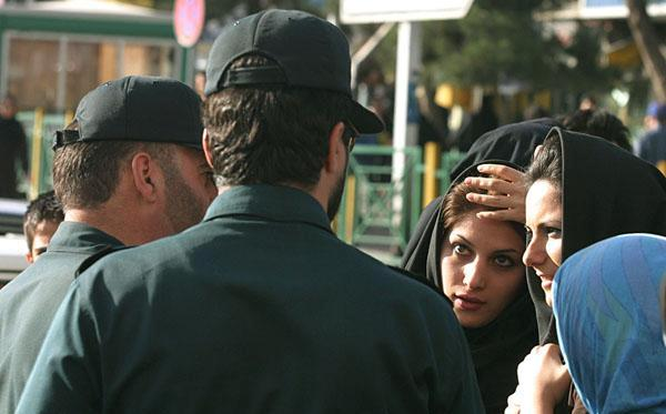 Iranian police accost women over their immodest dress. Photo: Amir Farshad Ebrahimi / flickr