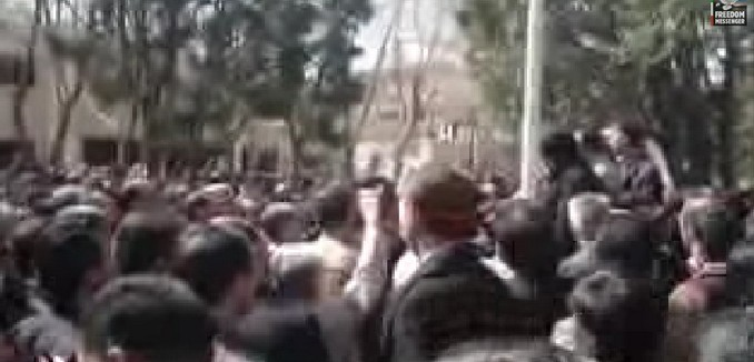 FeaturedImage_2015-03-04_101249_YouTube_Iran_Teacher_Protests