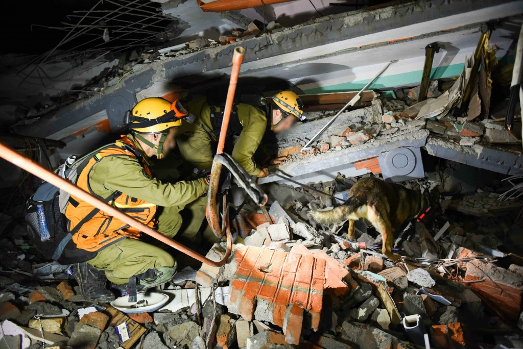 Israeli soldiers attempt to rescue injured and trapped people from the ruins of buildings in Nepal. Photo: IDF / Flash90
