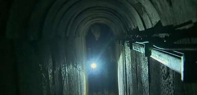 FeaturedImage_2015-05-18_161859_YouTube_Hamas_Tunnel