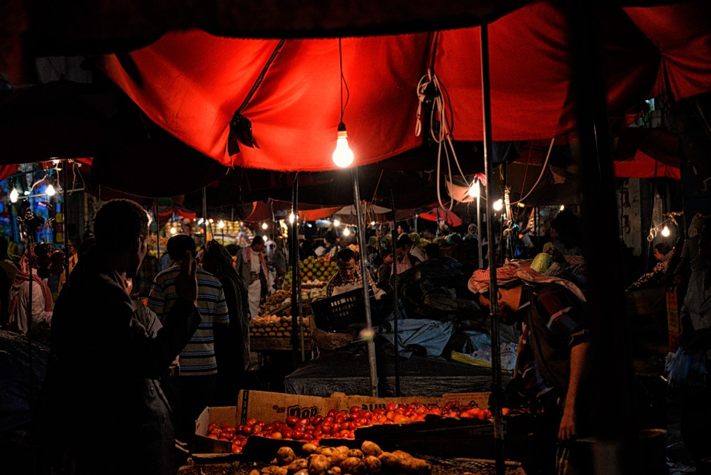 A night market in Hodeida, Yemen's fourth-largest city. Photo: Rod Waddington / flickr