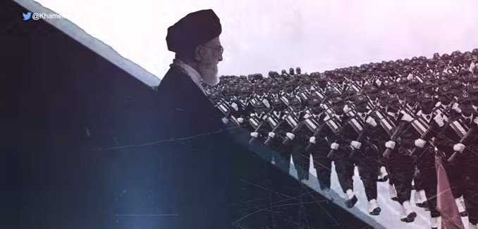 FeaturedImage_2015-09-18_131648_YouTube_Khamenei_War