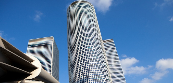 FeaturedImage_2015-11-17_Flickr_Azrieli_Towers_7716443116_bd1a9daf2b_b
