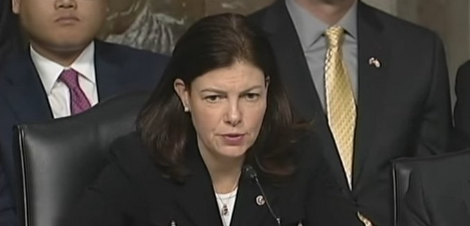 FeaturedImage_2015-12-09_132254_YouTube_Kelly_Ayotte