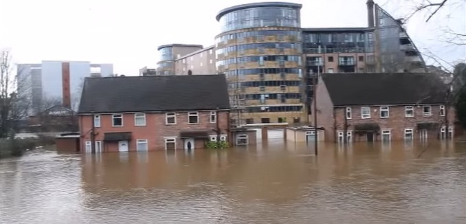 FeaturedImage_2016-01-07_131006_YouTube_Leeds_Flooding