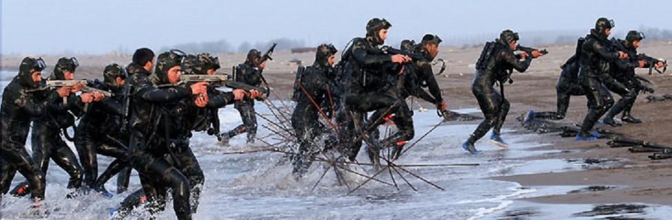IRGC Navy commandos train in the Great Prophet IX war games in the Strait of Hormuz. Photo: Sayyed Shahab-O-Din Vajedi / Wikimedia