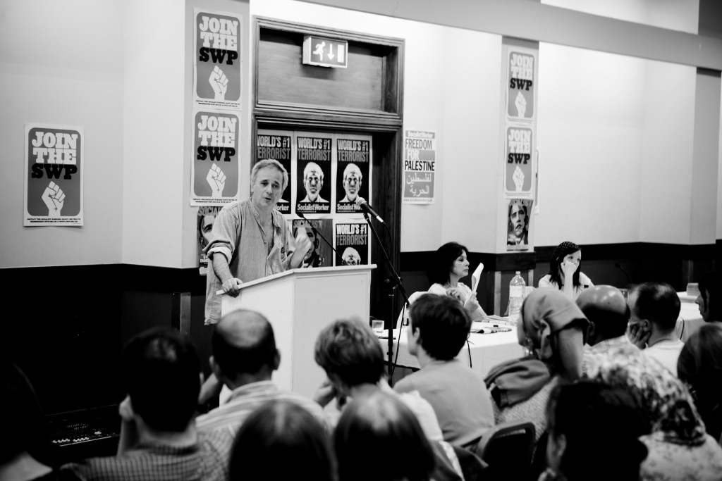 Israeli historian Ilan Pappe gives a lecture in London. Photo: Hossam el-Hamalawy / flickr