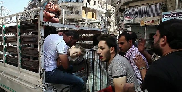 640px-Wounded_civilians_arrive_at_hospital_Aleppo