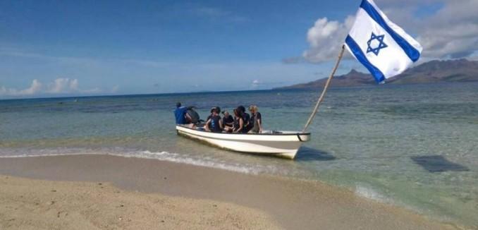 fiji-boat-768x432