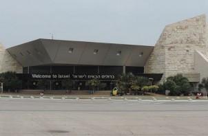 FeaturedImage_2016-05-31_WikiCommons_Ben_Gurion_Airport_terminal_1