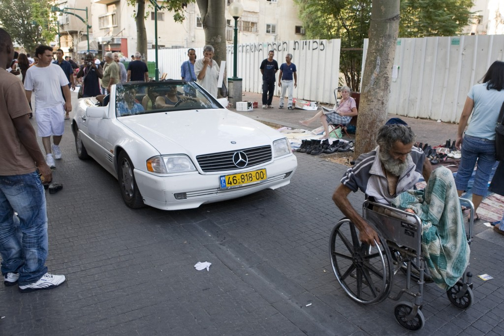 A street scene in Neve Sha'anan. Photo: Matanya Tausig / FLash90