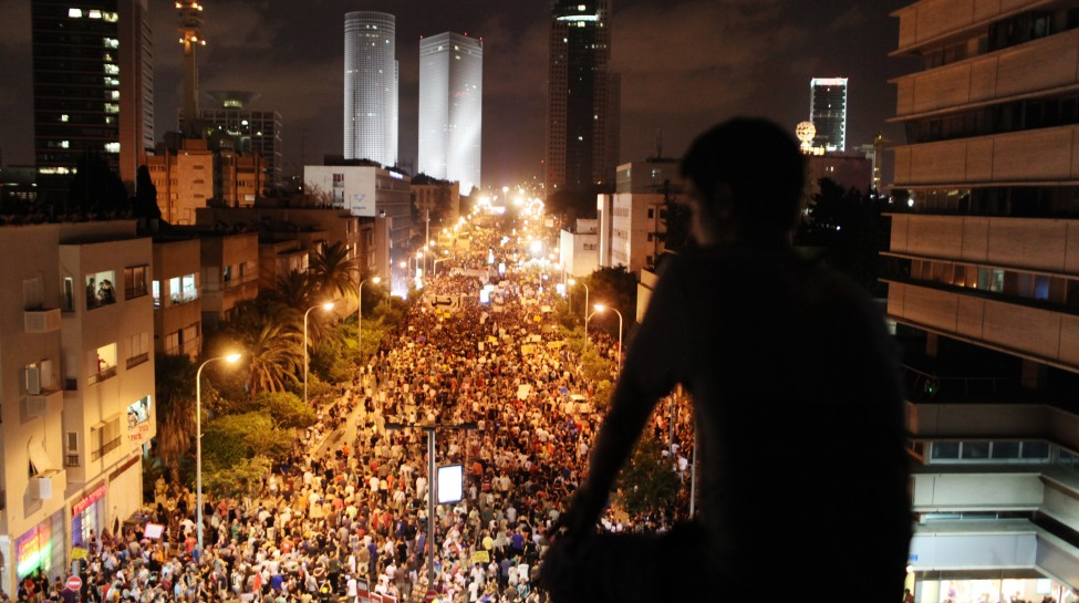 Around 200,000 Israelis march in Tel Aviv, August 7, 2011. Photo: Matanya Tausig / Flash90