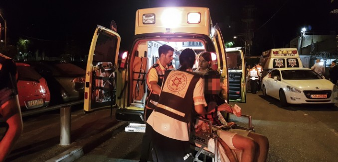 Israeli medical forces evacuate a wounded man at the scene where a suspect terrorist opened fire at the Sarona Market shopping center in tel Aviv, on June 8, 2016. The suspect shot and wounded 9 people, one of them critically injured, in a suspected terror attack in the center of the city. Photo by Moti Karelitz/Flash90 *** Local Caption *** ?? ???? ???? ????? ????? ????? ??? ???? ???????