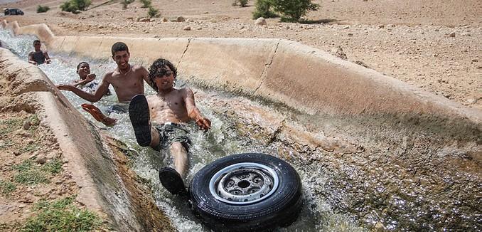FeaturedImage_2016-06-16_Flash90_Palestinians_Water_F120616IR01