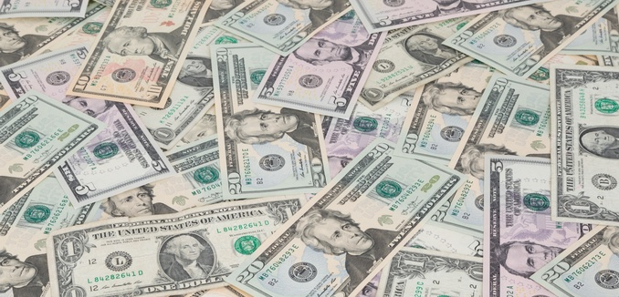 FeaturedImage_2016-06-24_Public_Domain_Pictures_dollars-background-1455041350LiU