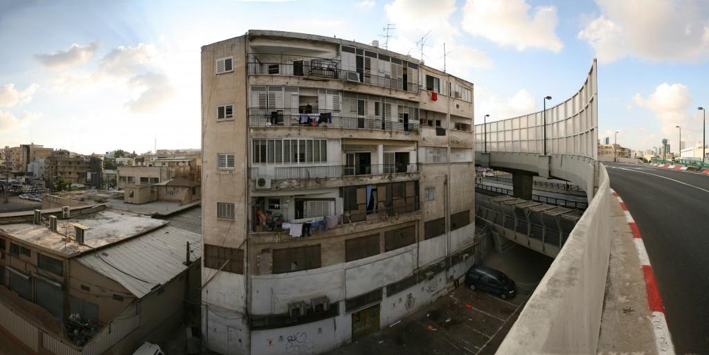An apartment building in Neve Sha'anan. Photo: Roi Boshi / Wikimedia