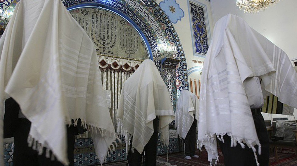 Jews praying in Tehran. Photo: Alex Milad / flickr